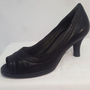 NURTURE WOMEN'S LEATHER PEEP TOE PUMPS (7M) Shoes